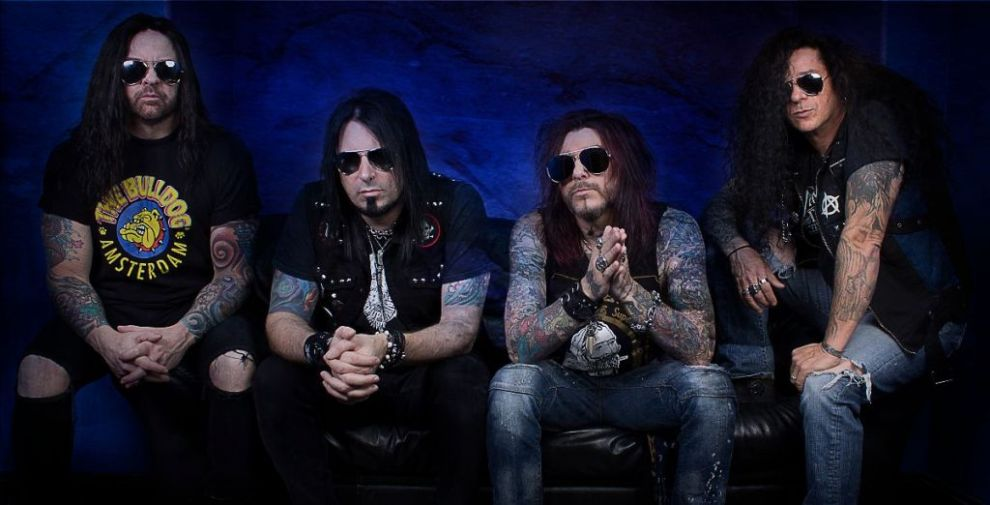 "KICKIN VALENTINA release video for ""War""."