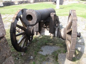 Proud Boy Terrorists busted with 18th-century cannons
