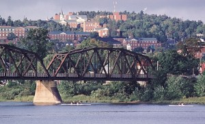 Listicle: 8 fun date ideas to do in Fredericton for the millionth goddamn time