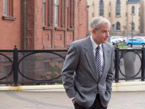 Dennis Oland accepts reward for info toward solving Oland murder