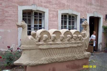 """Neumagener Wineship"" replica in front of the Kesselstatt wine bar"