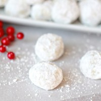 Classic Snowball Cookies (my favorite Christmas cookie)