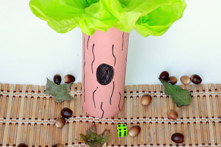 Let's celebrate fall! This low-prep acorn counting activity is a fun way teachkids about how animals get ready for winter and help them practice essential preschool math skills.