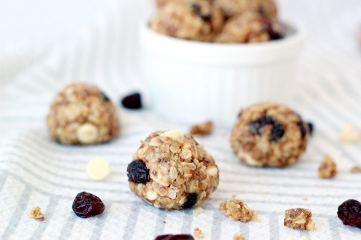 White chocolate chip cranberry granola bites - perfect snack food for picky eaters