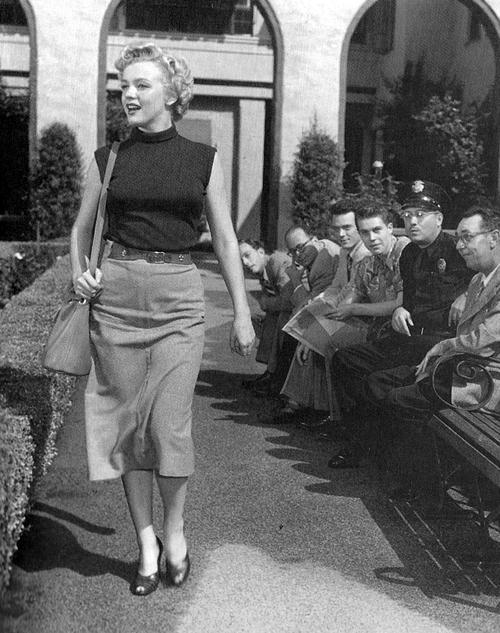 Marilyn-Monroe-Leather-Belt-2