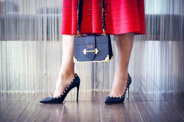 The_Market_Girl_Maje_Valentino_Prada_Cartier_Marriott_redskirt_valentinopumps_pradabag