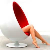 Eero Aarnio ball chair.