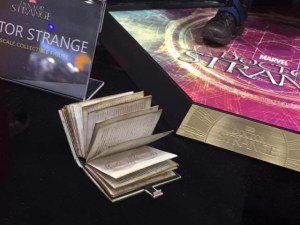 Hot-Toys-Book-of-Vishanti-Book-from-Doctor-Strange-Figure-640x480