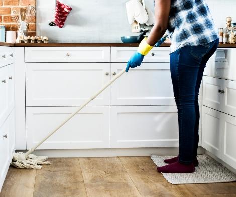 4 ways not to clean your wood floor