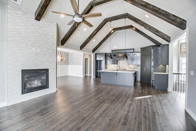 Plainsawn hardwood floor
