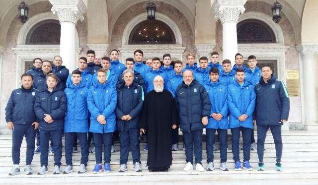 Πατήρ Ν. Σκιαδαρέσης: «Βλέπω στα πρόσωπά σας την Ελληνική λεβεντιά»