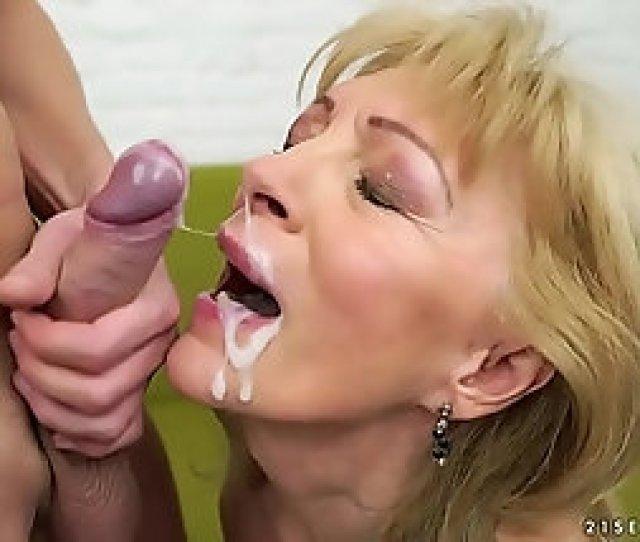 Top 15 Granny Cumshots Facials