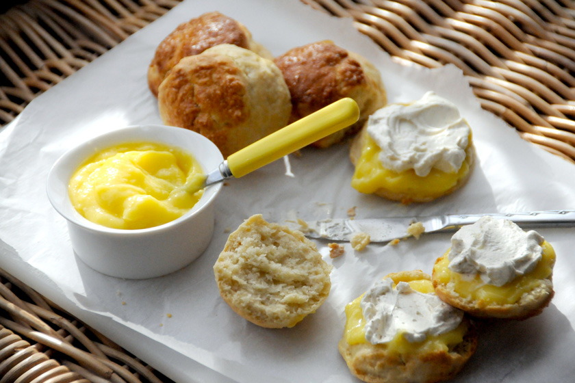 Sultana Scones with Lemon Curd