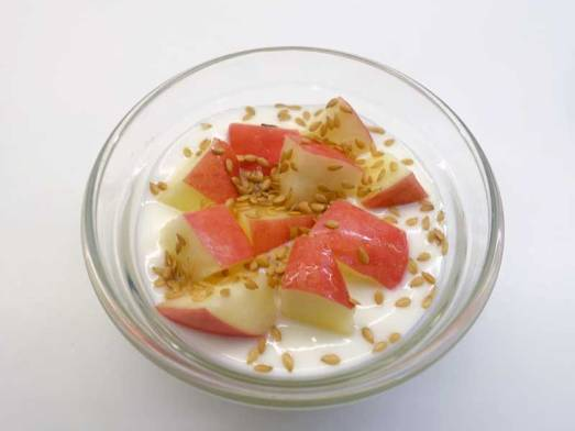 APPLES-IN-YOGURT-AND-FLAX-SEEDS