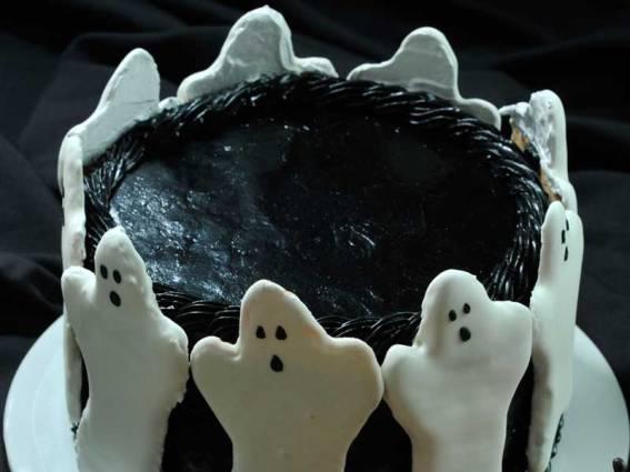 haunted-cake