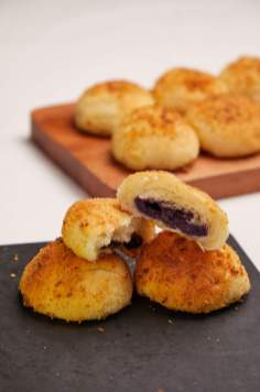Cheese Bread With Ube Filling2