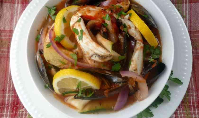 zuppa di pesce  – bouillabaisse marseillaise- Fish Soup