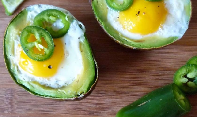 Easy Avocado and Egg with Jalapeno