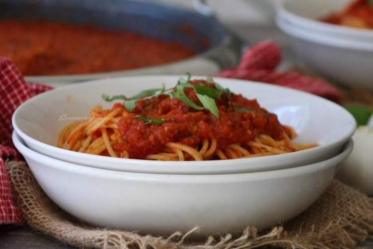 Frank Sinatra's Italian Tomato Sauce and Meatballs