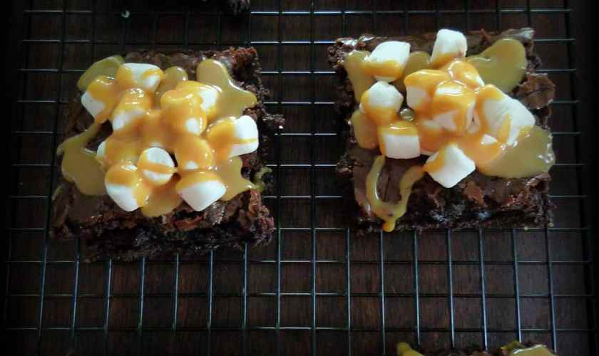 Marshmallow Caramel Brownies