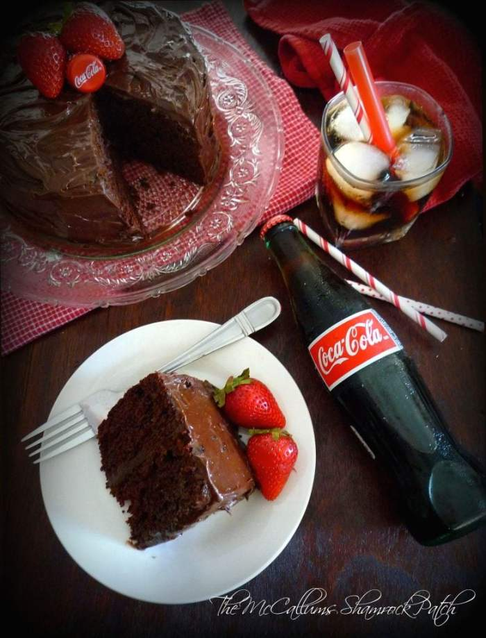 my simplified, so easy it shouldn't even be called a recipe, modern rendition of a beloved Southern recipe for Coka~Cola Cake,using everyone's favorite tasty beverage, rich, decadent chocolate, fluffy miniature marshmallows, andcreamy dark chocolate icing.