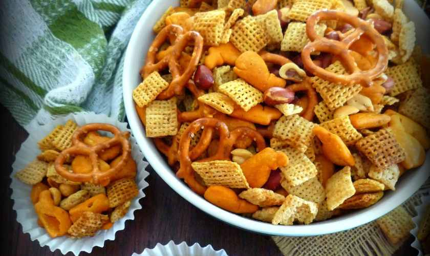 Homemade Cajun-Style Chex Party Mix + Ziploc Storage idea