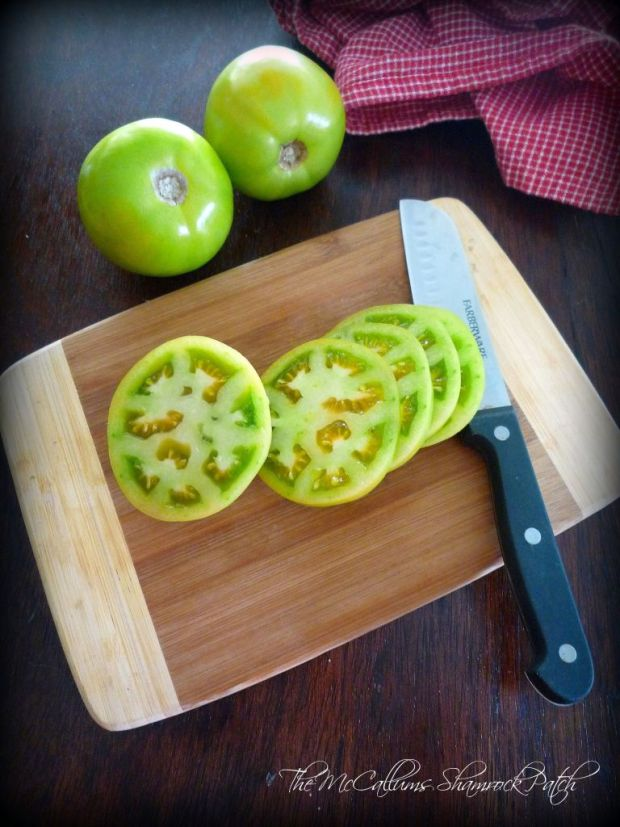 sliced green tomatoes by The McCallums Shamrock Patch Blog