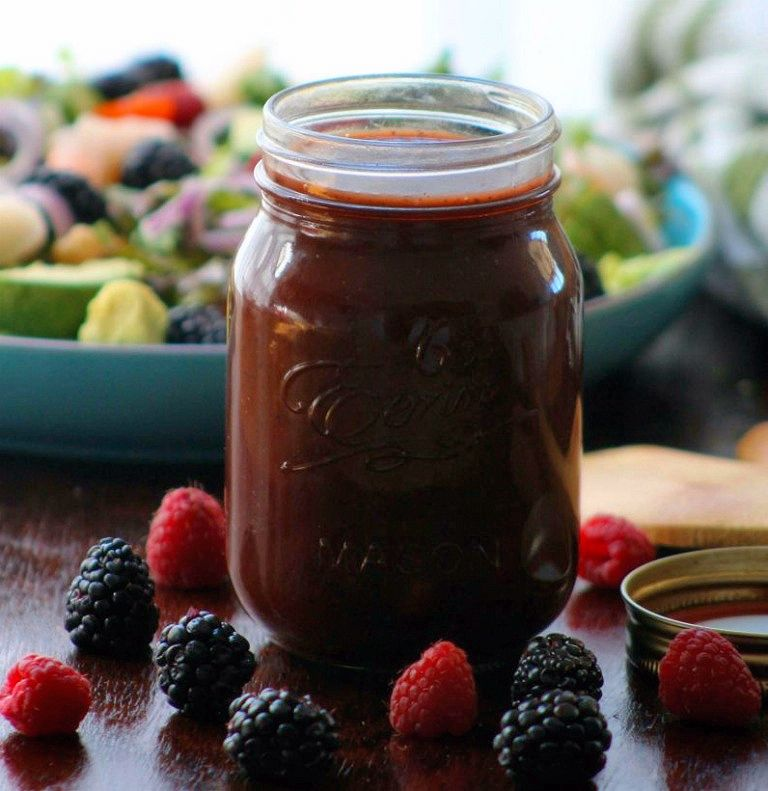 This Fresh Mixed Berry Vinaigrette Recipe is a wonderful leap in the right direction, combining the fresh delightful flavors of fresh raspberries, blackberries, quality balsamic vinegar, garlic, Vidalia onions, pure organic honey, tarragon, and fresh sweet basil.