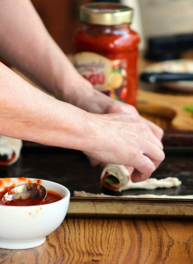 easy-peasy-pepperoni-rolls-with-ragu-sauce-5
