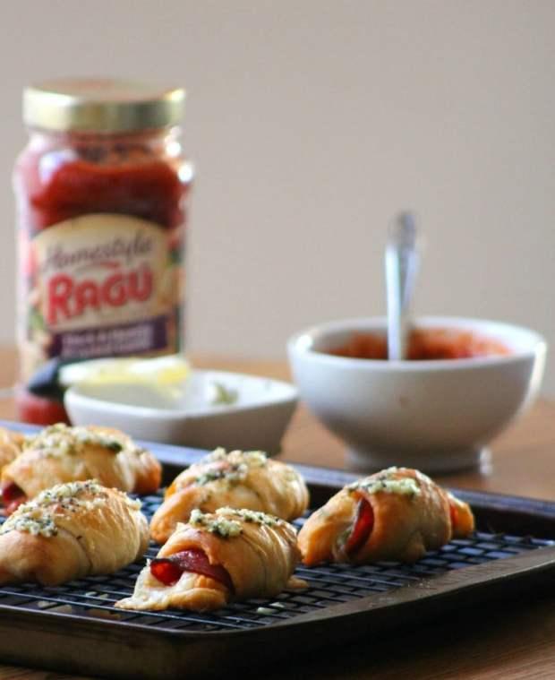 easy-peasy-pepperoni-rolls