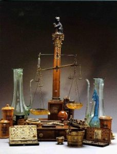 scales_and_paraphenalia