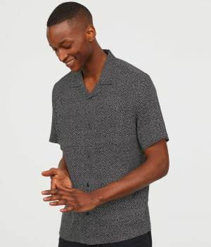 Short sleeved shirt front
