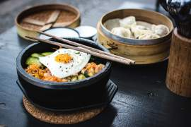 foodiesfeed.com__korean-bibimbap-yamyam-berlin1
