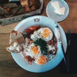 foodiesfeed.com_english-breakfast-café