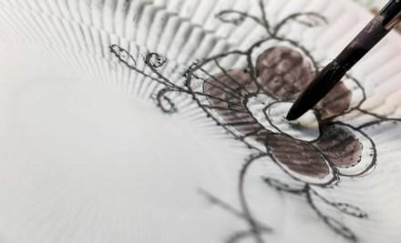 craftmanship-hand-paint-black-fluted-mega-4-jpg_jpg