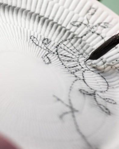 craftmanship-hand-paint-black-fluted-mega-5-jpg_jpg