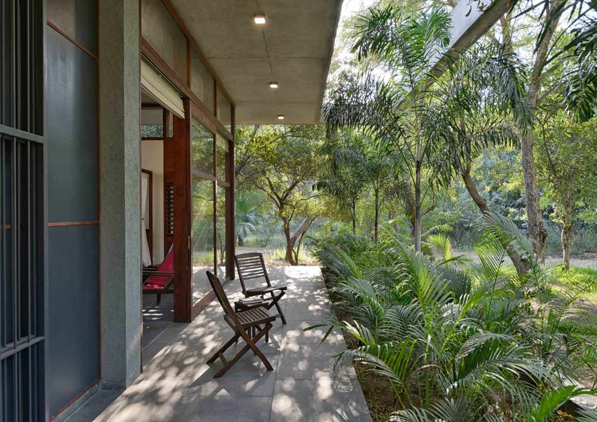 12--view-of-the-rear-garden-side-bedroom-verandah