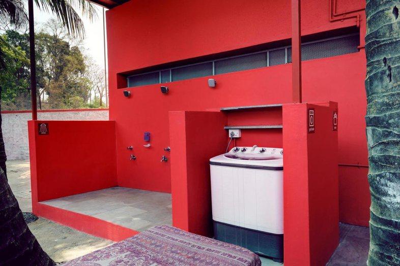27---Shower-and-Washing-machine