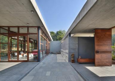 3--courtyard-view-looking-towards-east