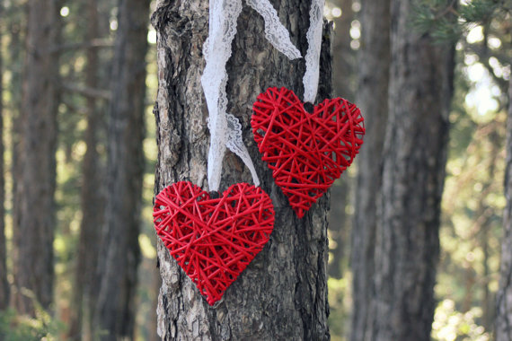 Wooden hearts, by ManniaTitta on etsy.com