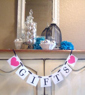 Gift table sign, by lolaandcompany on etsy.com