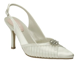 Love shoes, from fairytalebridal.co.nz