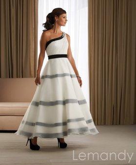 Black and white ankle-length wedding dress, by Lemandyweddingdress on etsy.com