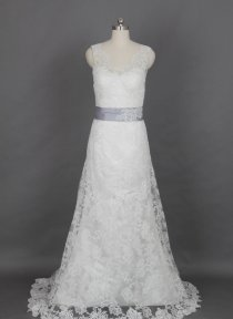 Lace wedding dress - US$460, by harsuccthing on etsy.com