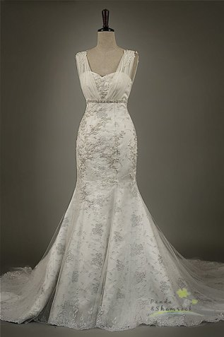Wedding dress - US$450, by pandaandshamrock on etsy.com