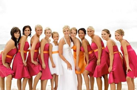 Bridesmaids in hot pink and orange {via ipunya.com}