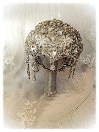 Amazing brooch bouquet - www.etsy.com/shop/NatalieKlestov
