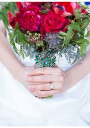 Ruby-red and emerald green bouquet inspiration {via sweetvioletbride.com}