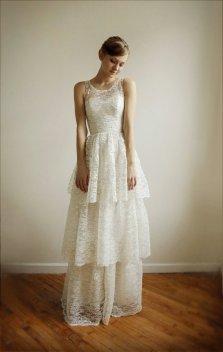 Lace wedding dress (US$1250) - www.etsy.com/shop/Leanimal
