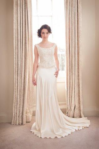 Wedding dress (US$1655) - www.etsy.com/shop/LisaWagnerDesigns